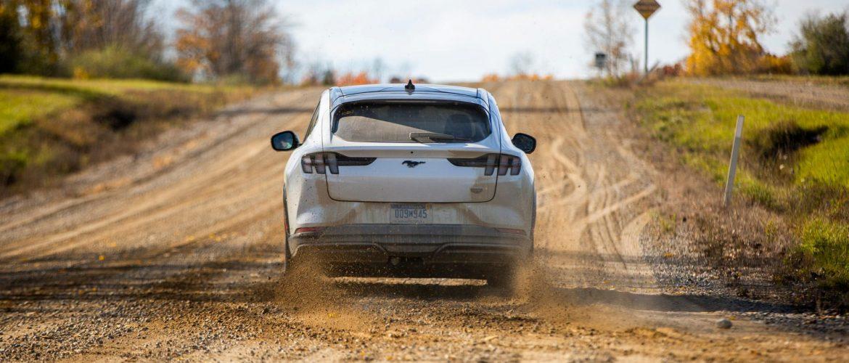 H Ford εφτιαξε… ρομποτικο οπισθιο για να δοκιμασει τη Mustang Mach-E